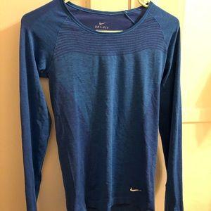 Nike Dri Fit Knit Longsleeve
